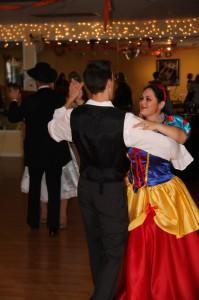 Dancing like snow white