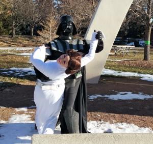 Darth Vader dips Leia