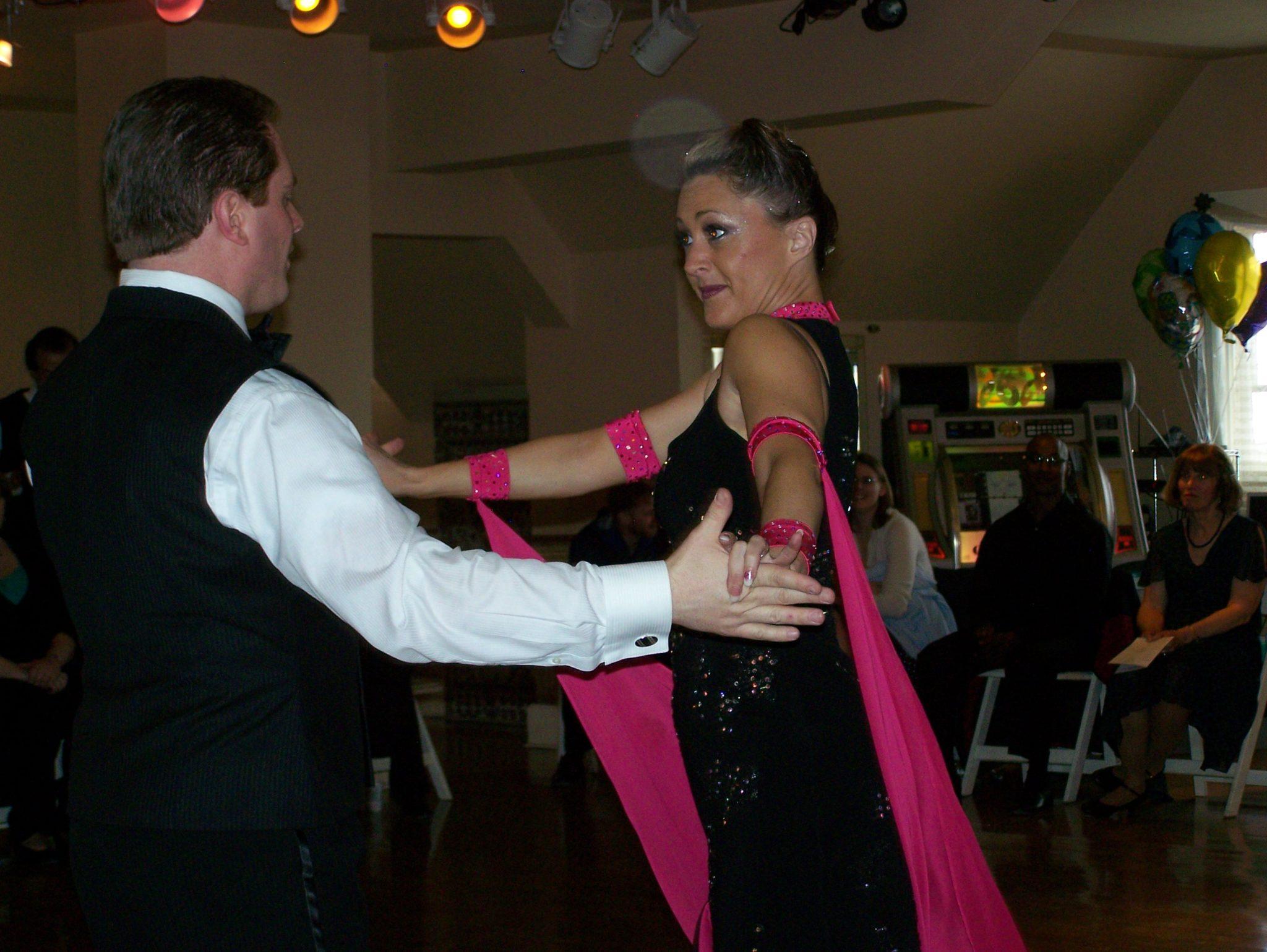 Smooth American Tango Dancers