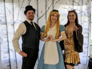 Hatter Craig, Alice, Chesire Holly