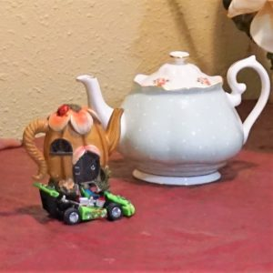 Mini teapot racer and full sized teapot