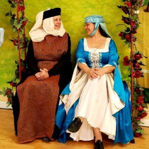 horse's branle medieval ladies